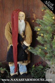 Arnett's Arnett's Santa Holding Doll AC4