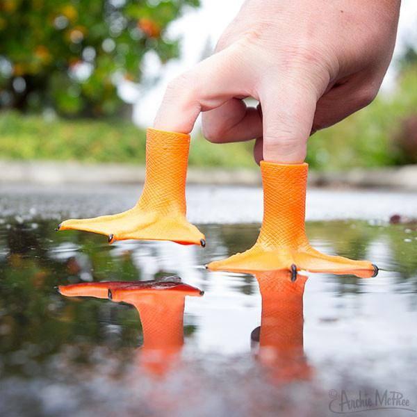 Accoutrements Finger Puppet - Duck Feet / S