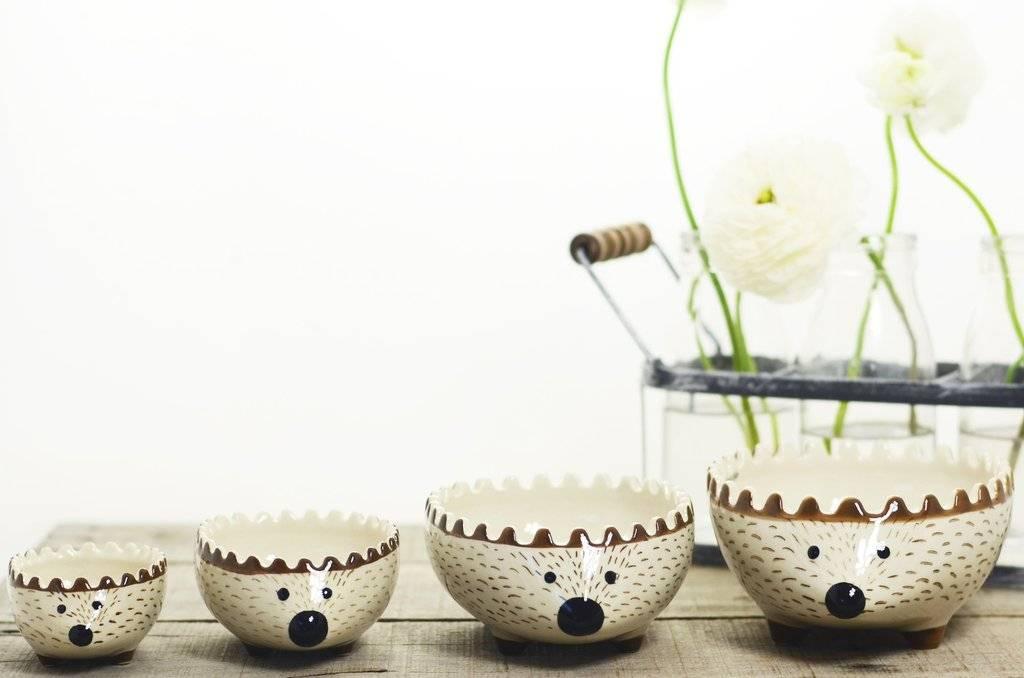 Creative Co-Op Stoneware Hedgehog Measuring Cup Set !