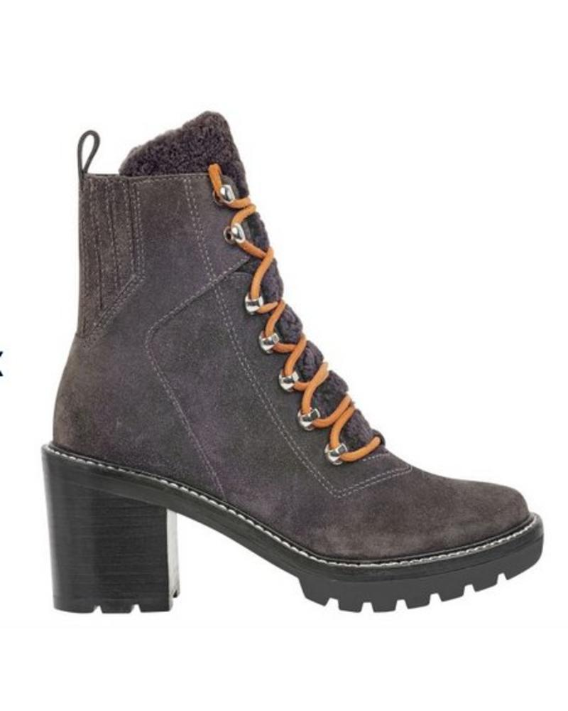 Marc Fisher Denise Boot