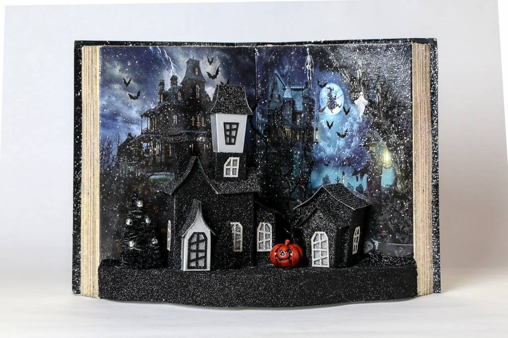"Little Halloween Scene Book 3712594-12"""