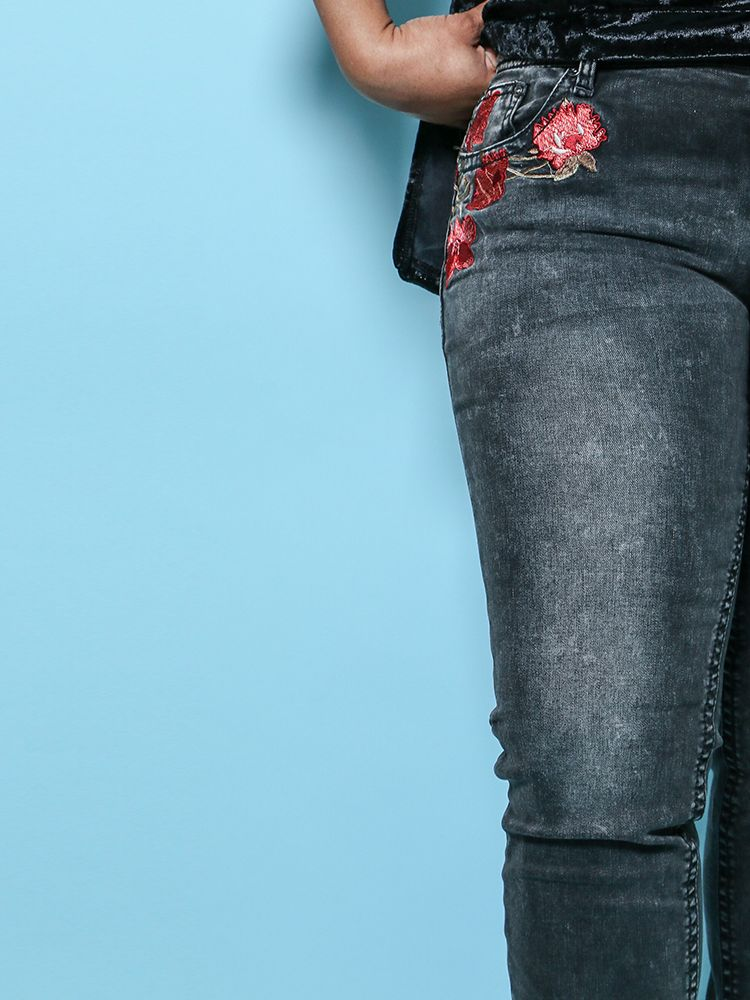 Black Jean With Embroidery JNW2157
