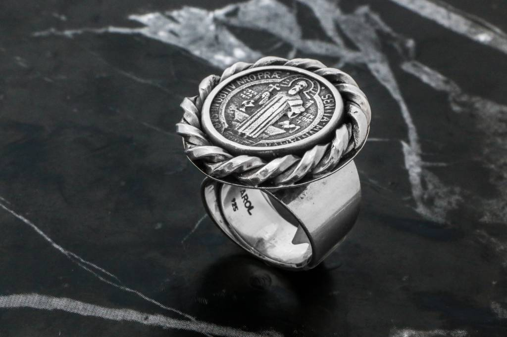 Rings CARING038