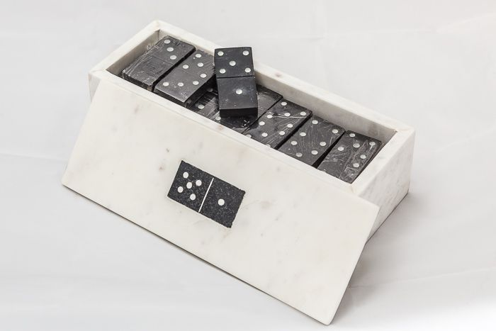 ISH100 - 28Pc Domino Box