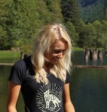 WILD OUTDOORS CLUB - Wild Calls Woman's Tee