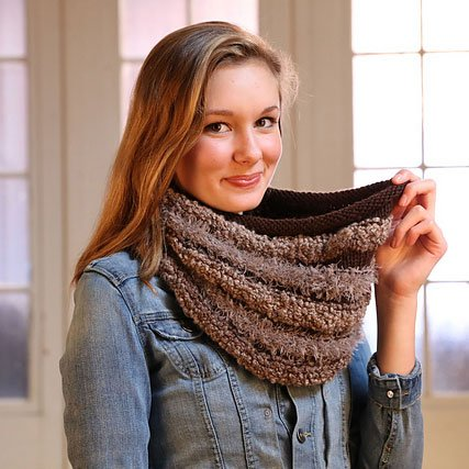 Plymouth Yarn Co. Plymouth Pattern 101 Arequipa Aventura Cowl