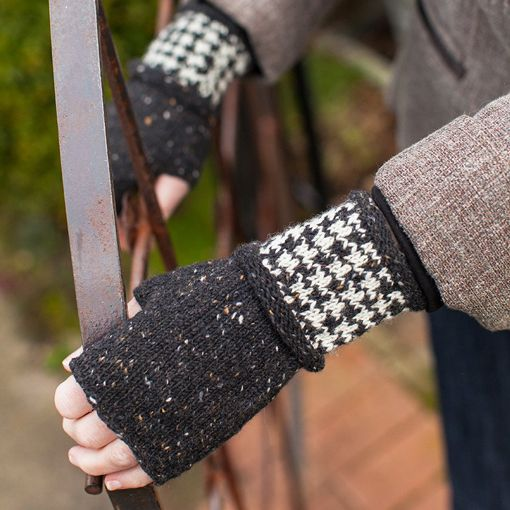 Churchmouse Churchmouse Colorwork Cuffs & Mittens