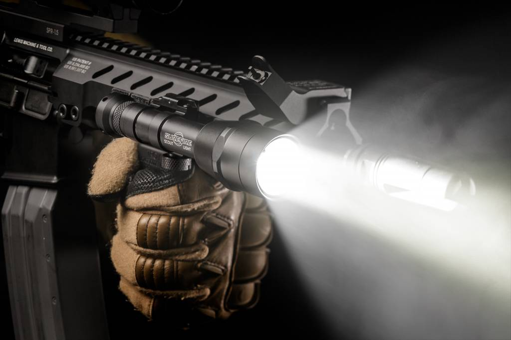 Surefire Surefire M600IB Auto-Adjusting Variable-Output LED Scout Lightå© with IntelliBeam Technology