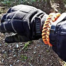 White Fang Survival White Fang Survival Paracord Survival Bracelet - Shark Jawbone Wrap