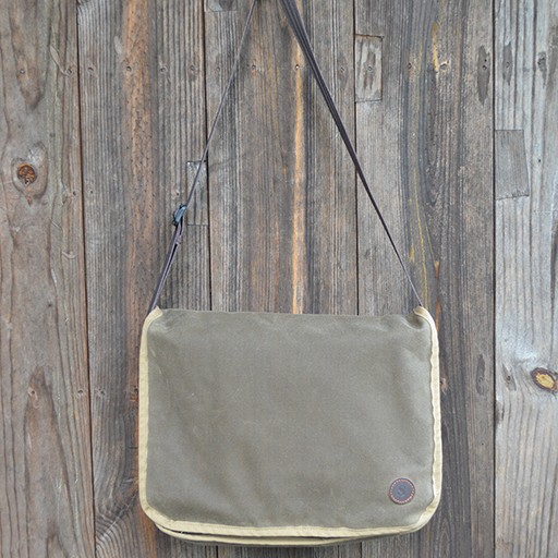 Duke Messenger Bag in Dark Oak Waxed Canvas