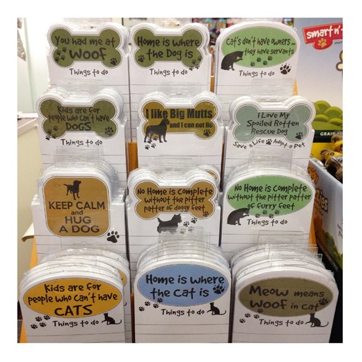 """E&S E&S Pets Magnetic Notepad """"Cats Don't Have Owners, They Have Servants"""""""