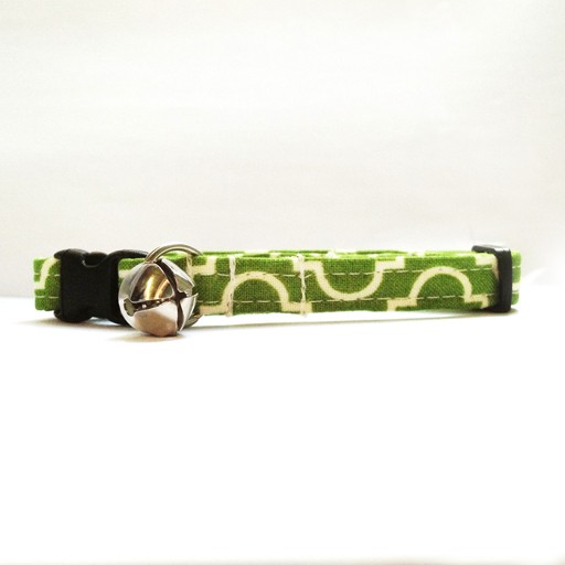 Bow Wow Couture Bow Wow Couture Tiles in Green Cat Collar 3/8""