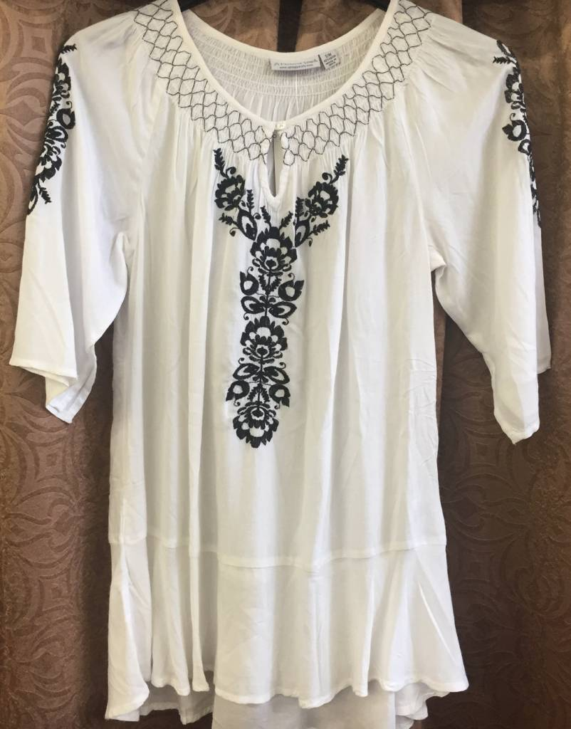 A Personal Touch B&W S/S 1503 Top - SM/MED