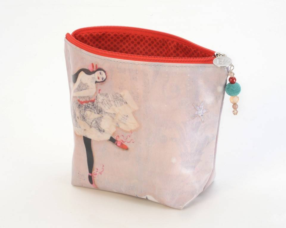 B Plus 402VV02-Vanessa Valencia Large Cosmetic bags 8''x 6''x 3''-In a Dream