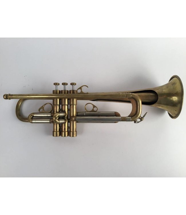 Courtois Used Courtois Evolution II Bb Trumpet in raw brass.