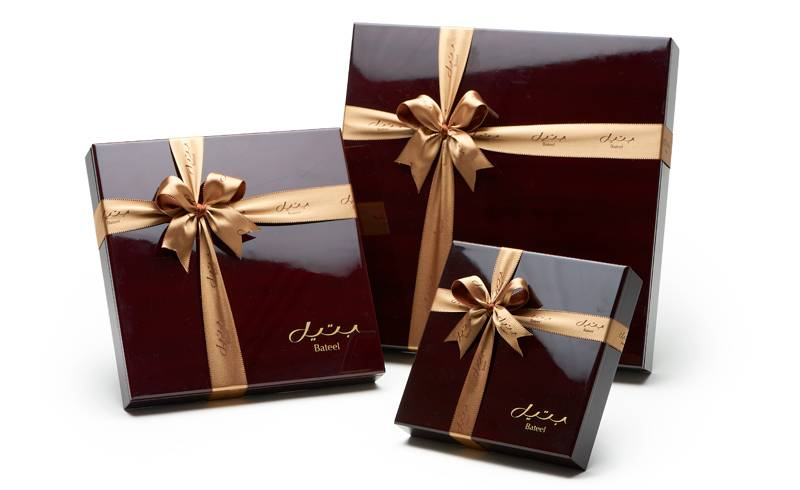 Bateel USA Dark Cherry Mahogany Gift Box with Gourmet Dates