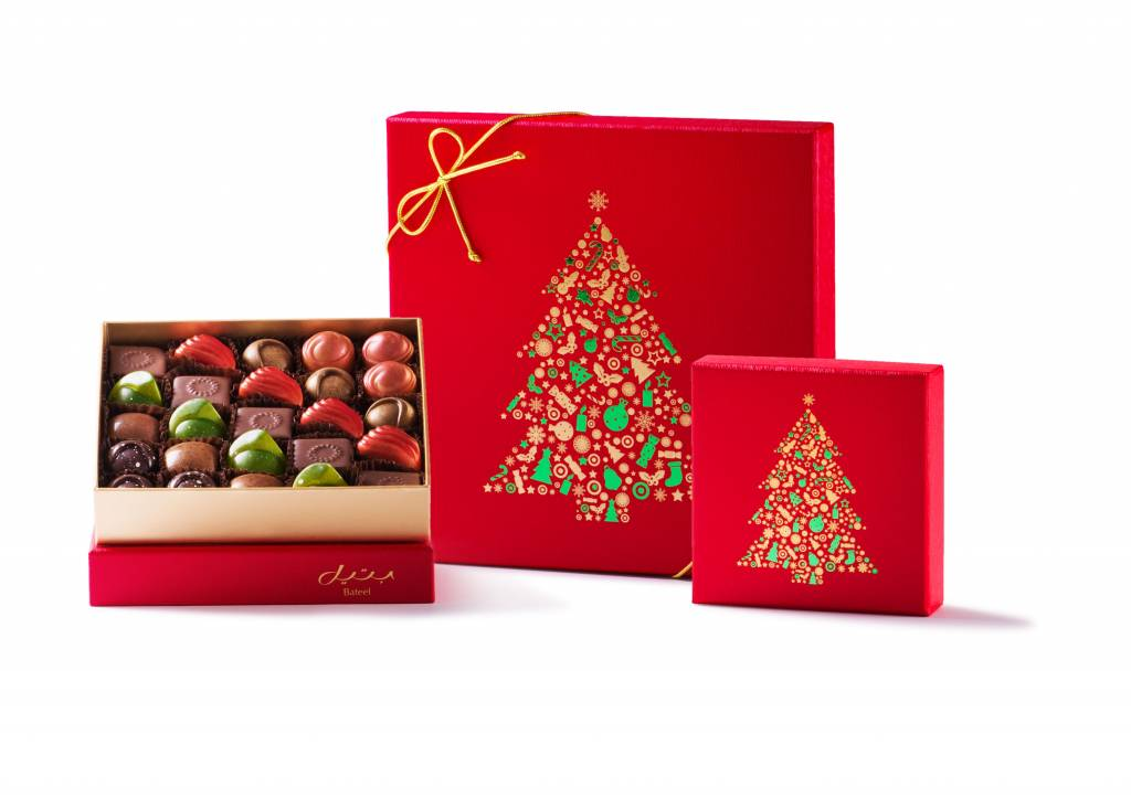 Bateel USA Winter Red Christmas Gift Box