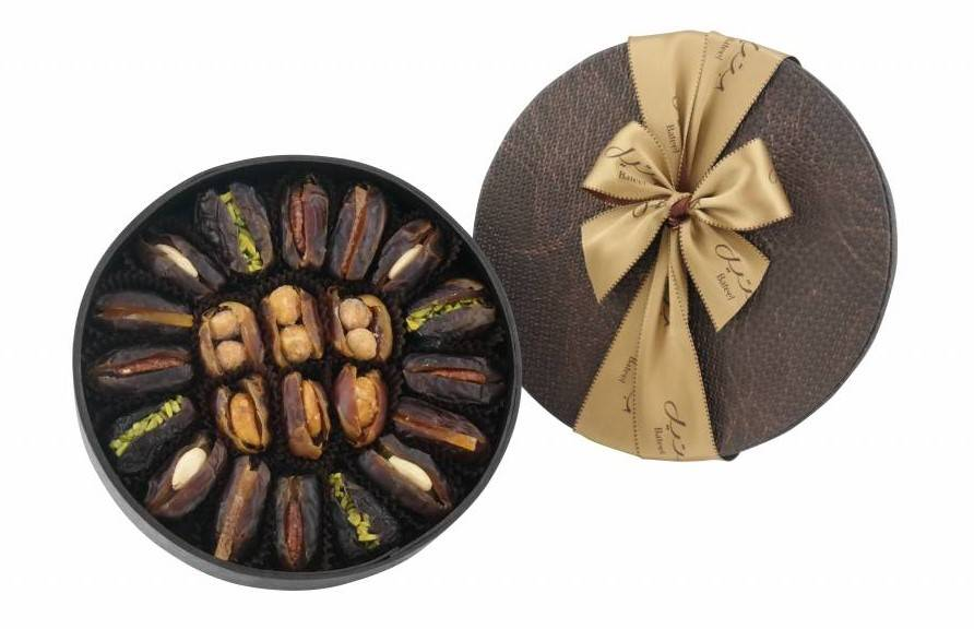 Bateel USA Alina Gift Box with Gourmet Dates