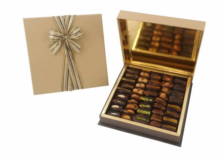 Bateel USA Oak Square Gift Box with Gourmet Dates