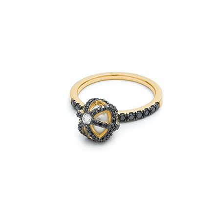 HALLEH JEWELRY RING SPHAERA DANGLE BLACK DIAMOND W/FRESHWATER PEARL 18K
