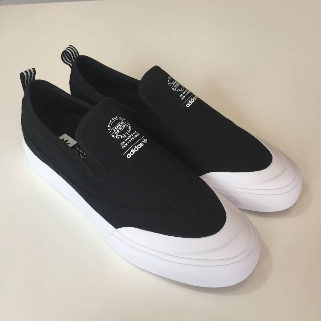 ADIDAS FOOTWEAR Matchcourt Slip On Shoe Black / White