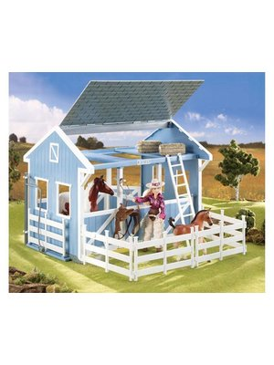 Breyer Classic Country Stable