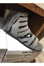 Minnetonka Pisa Sandals - Grey