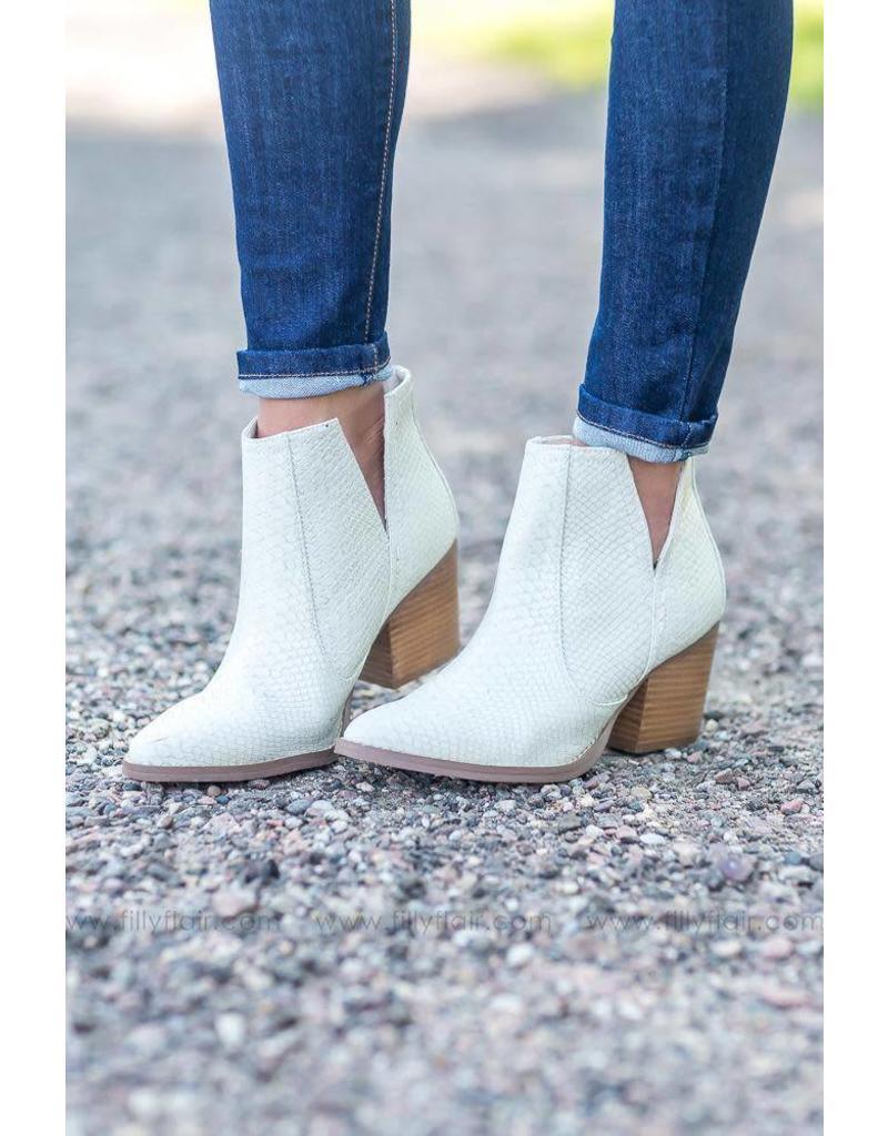Not Rated Tarim Boot - Cream
