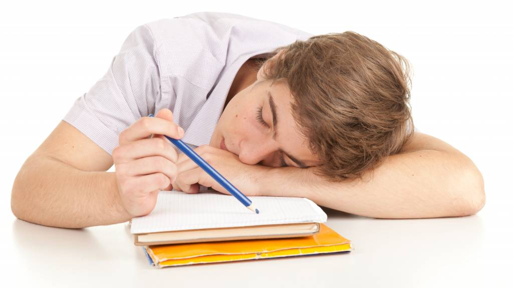 3 Tips to Help Teens Get the Sleep They Need to Do Better in School