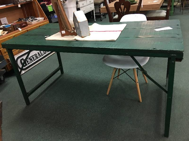 Primitive Green Folding Dining/ Cocktail Table