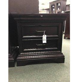Pulaski Furniture Glencoe 3 Drawer Nightstand