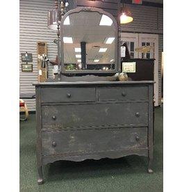 Rustic Queenstown Gray Distressed Dresser w/ Mirror