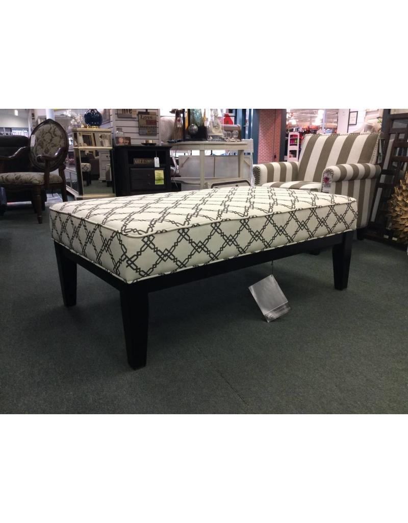 Beachcrest Home Inshore Cocktail Ottoman