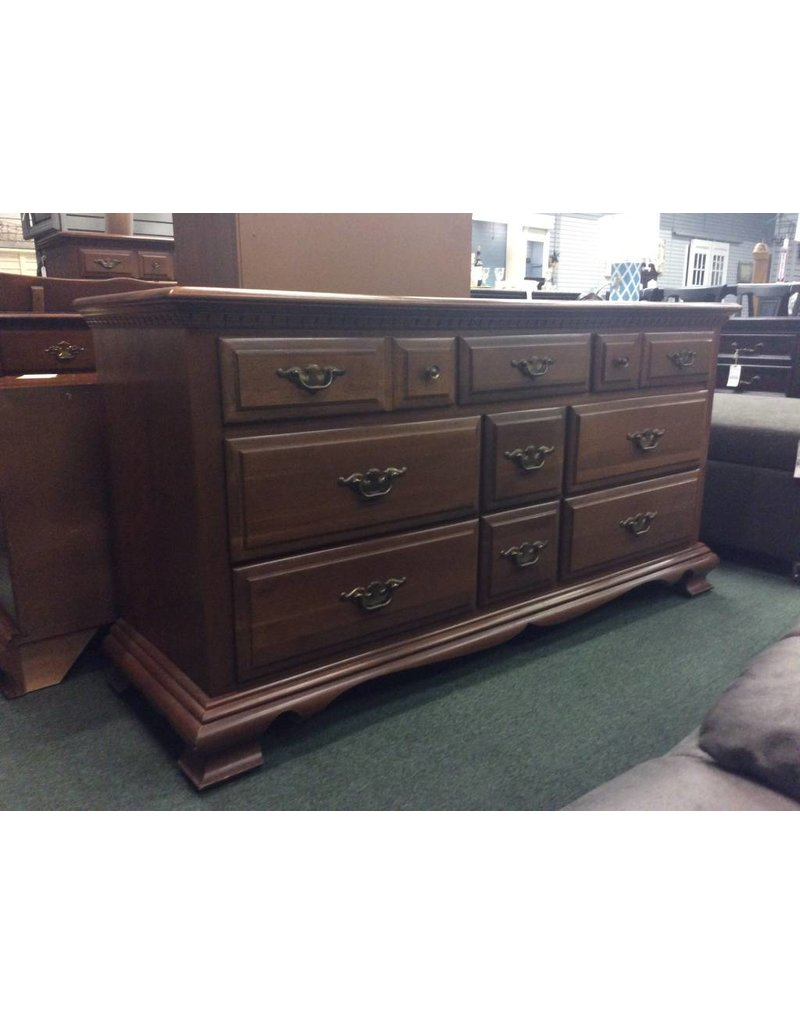 Vintage Early American Style Cherry 9 Drawer Dresser
