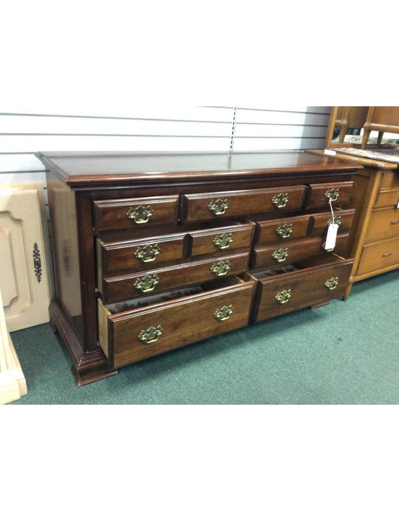 Kincaid Vintage 7 Drawer Solid Wood Dresser by Kincaid