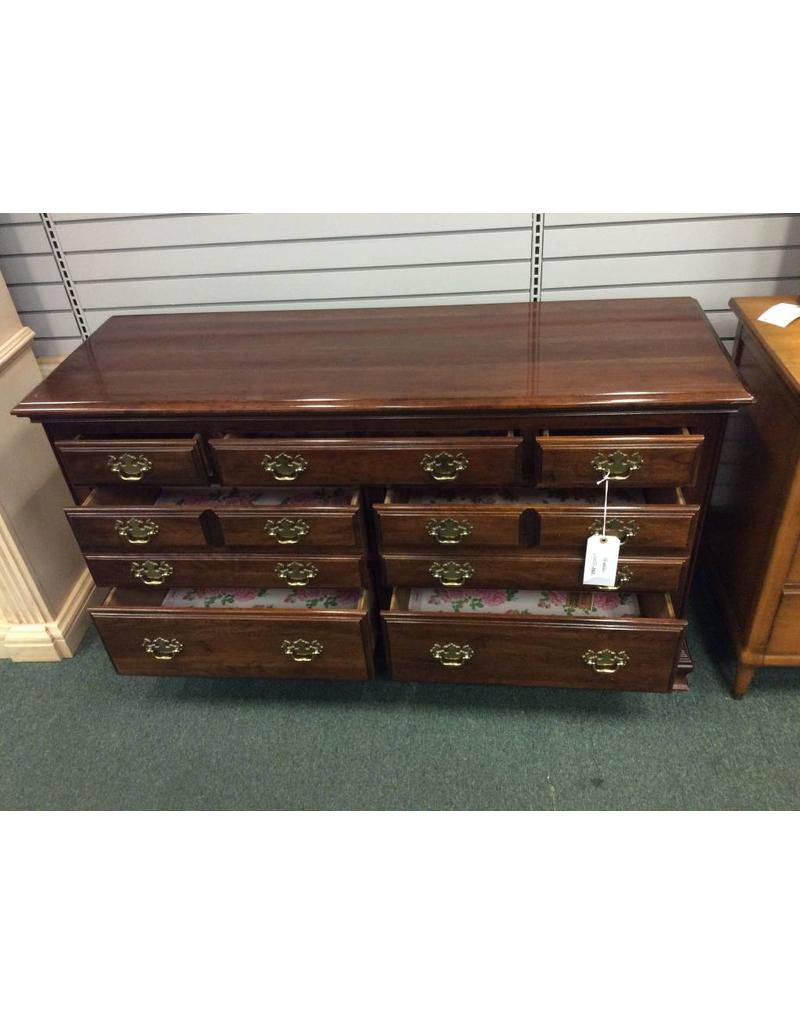 Vintage 7 Drawer Solid Wood Dresser by Kincaid