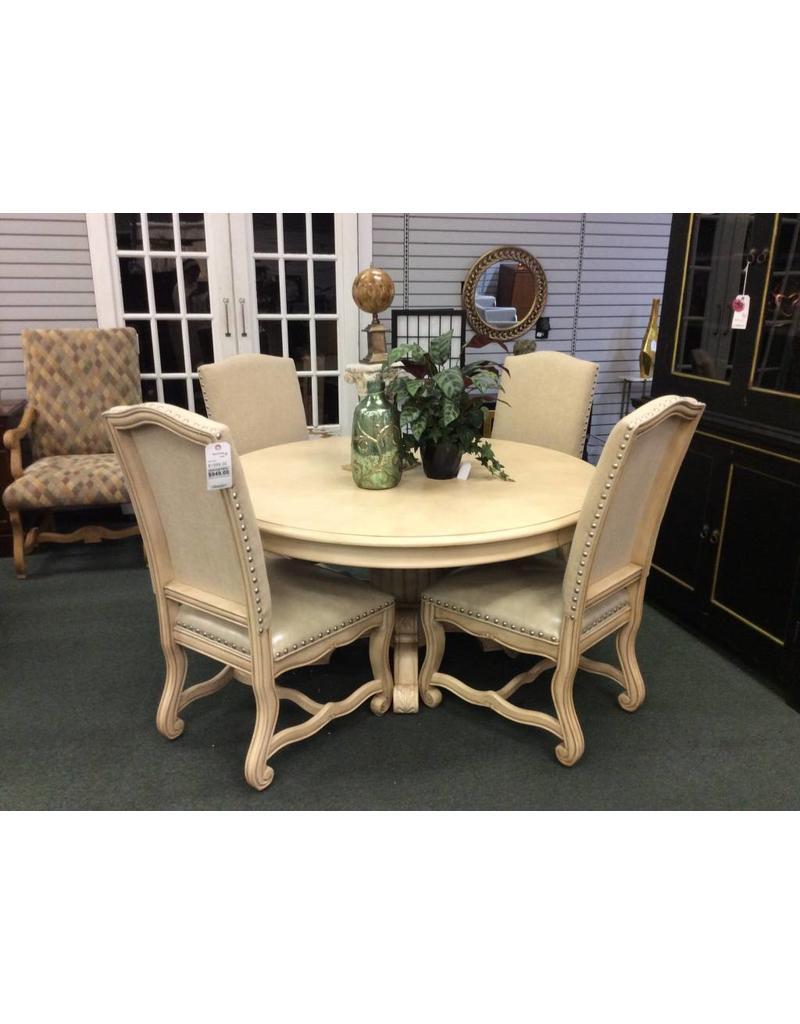 Astoria Grand Berwyn 5 Piece Dining Set