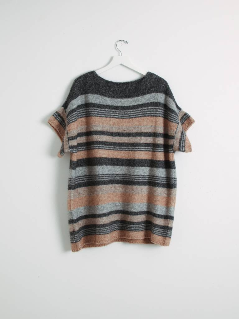 Local Bruma Alpaca Poncho Cinnamon