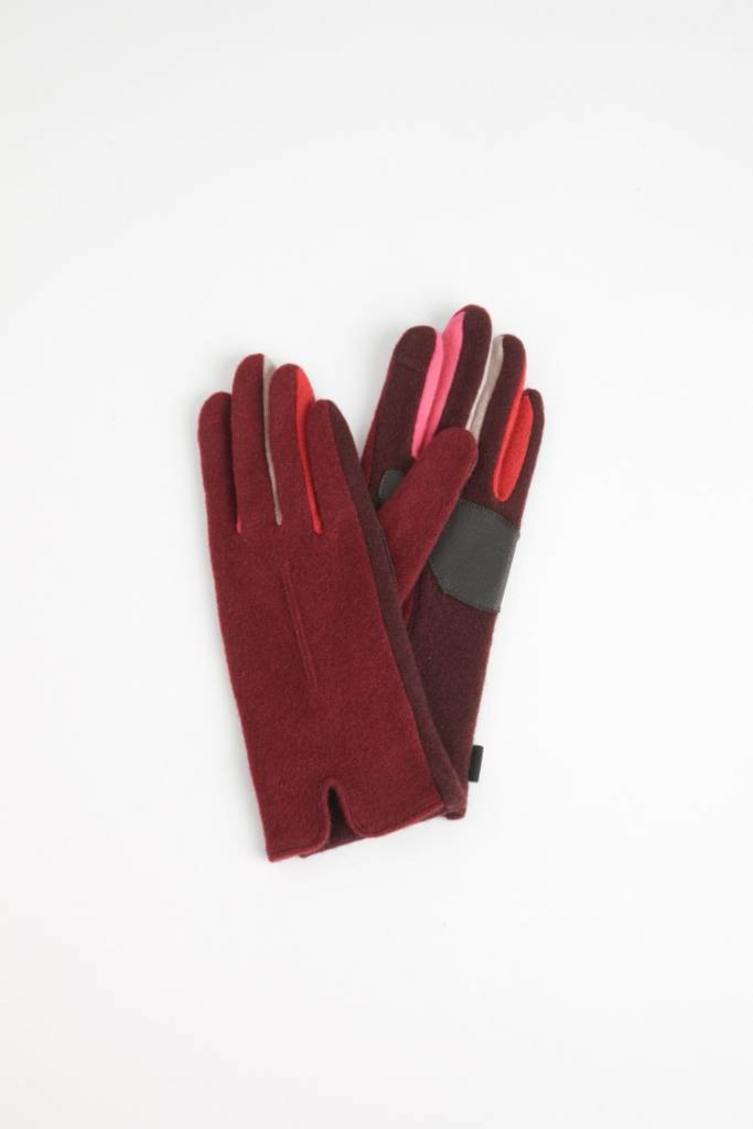 Echo Berry Colorblock Glove