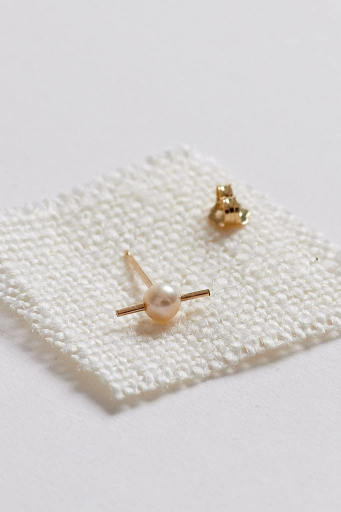 Orion Studs Pearl 14kt Gold SINGLE