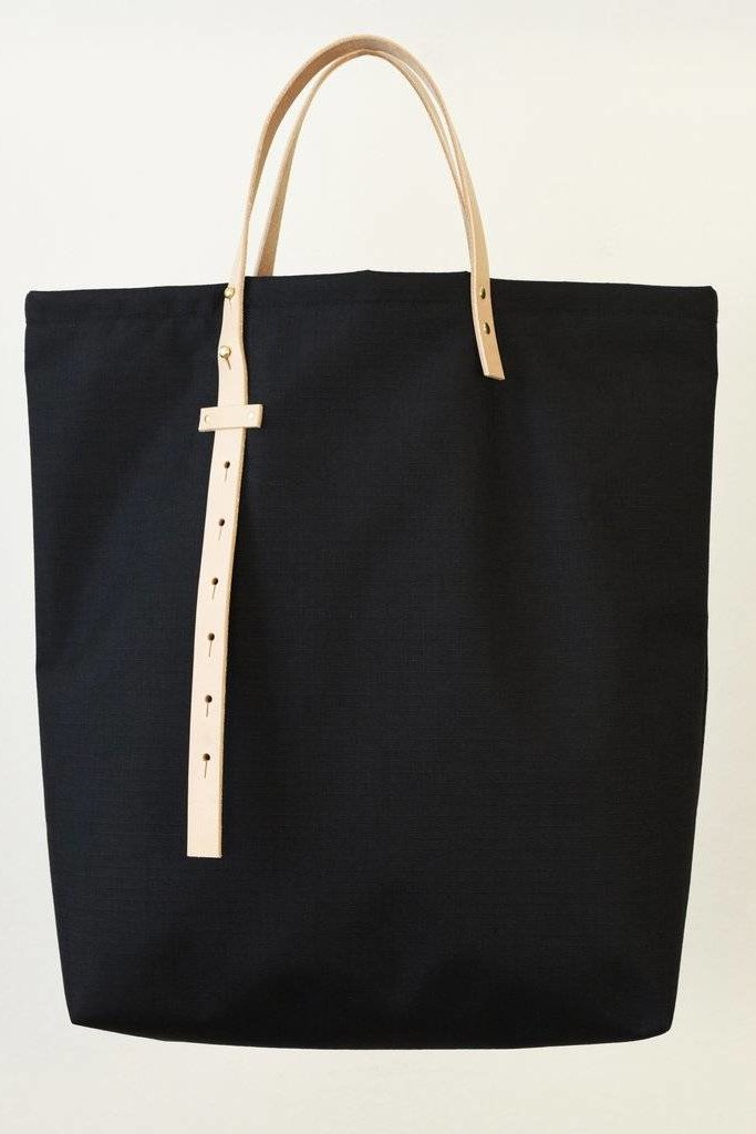 864 Adjustable Strap Tote Black