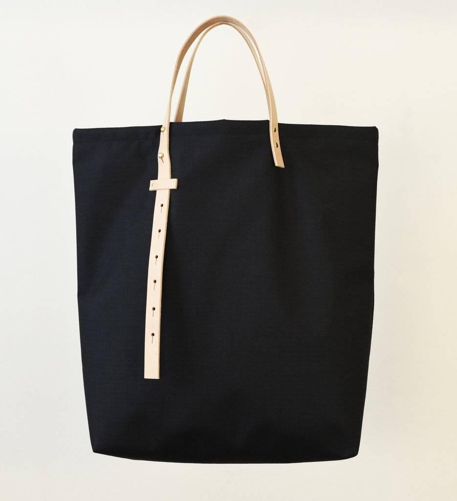 864 Adjustable Strap Tote Black