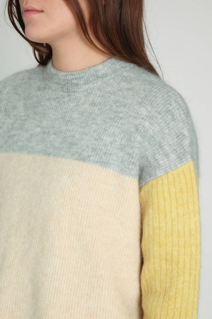 Demy Lee Color block sweater