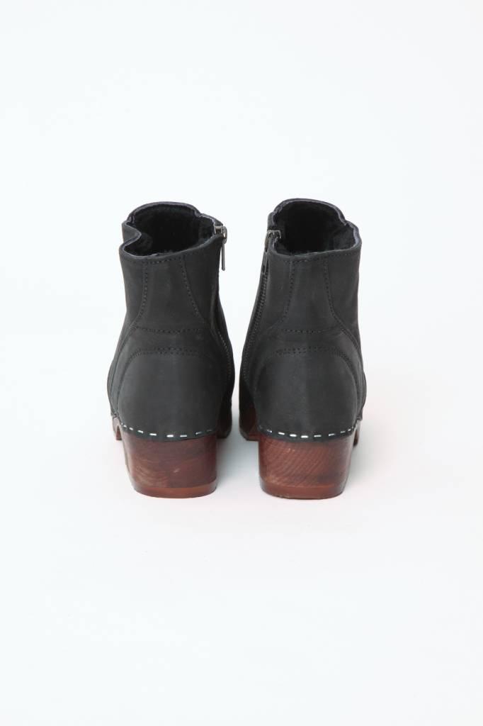 Maguba Lined Clog Boots