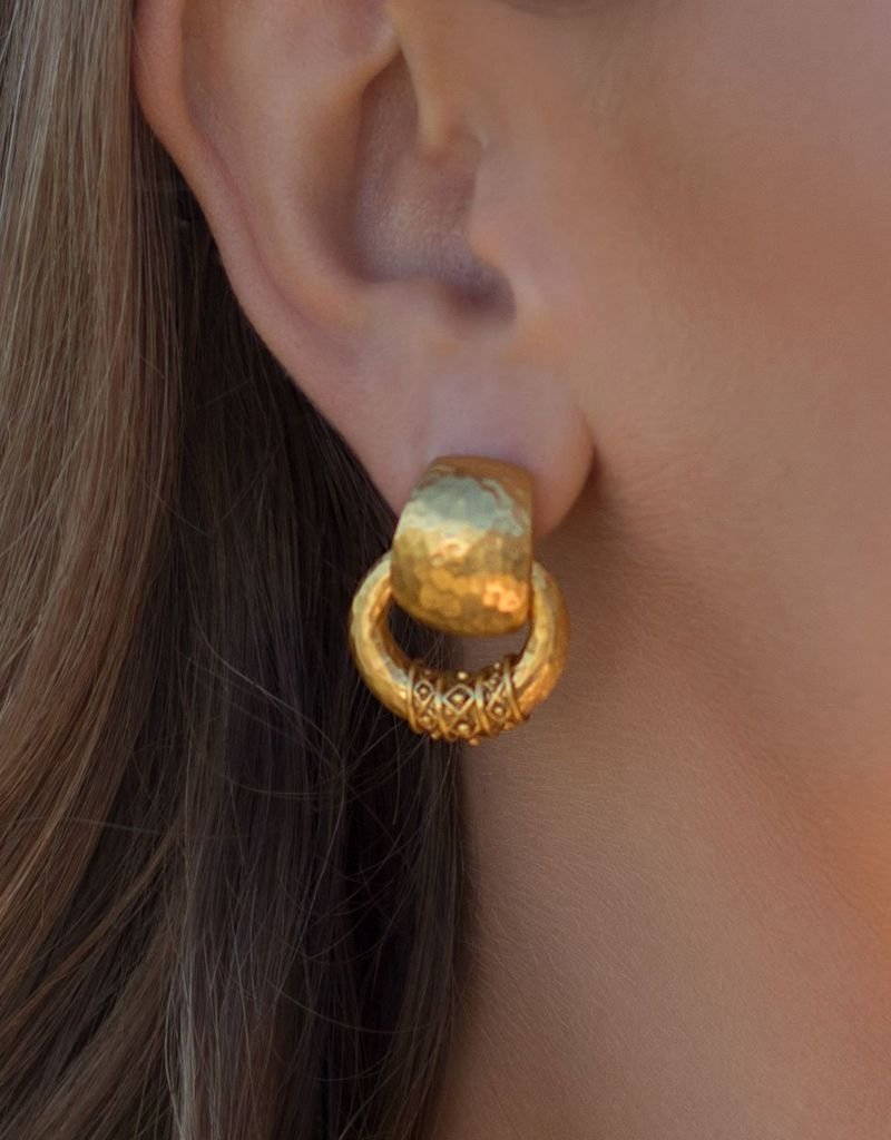 Catalina Doorknocker Earring Gold