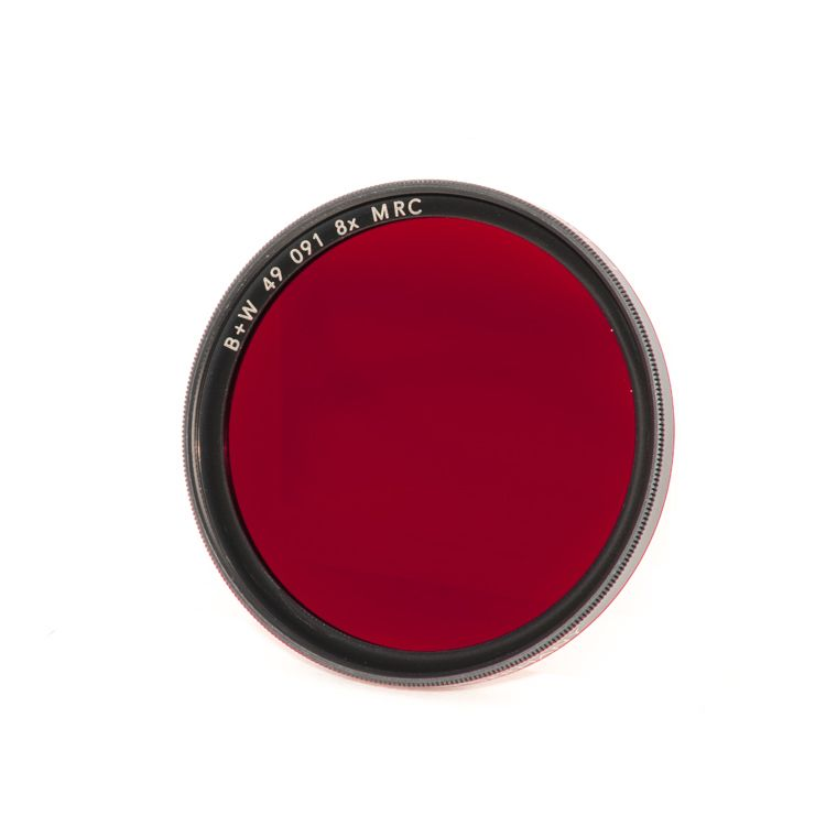 P80-57 B+W 49mm Dark Red MRC