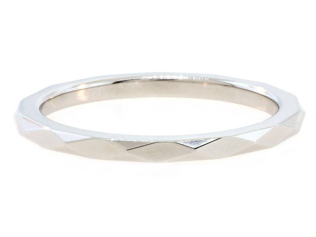 Trabert Goldsmiths Thin Platinum Faceted Spectra Band