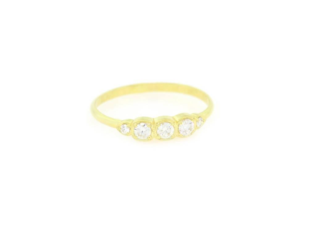 ILA Petite Diamond Ring