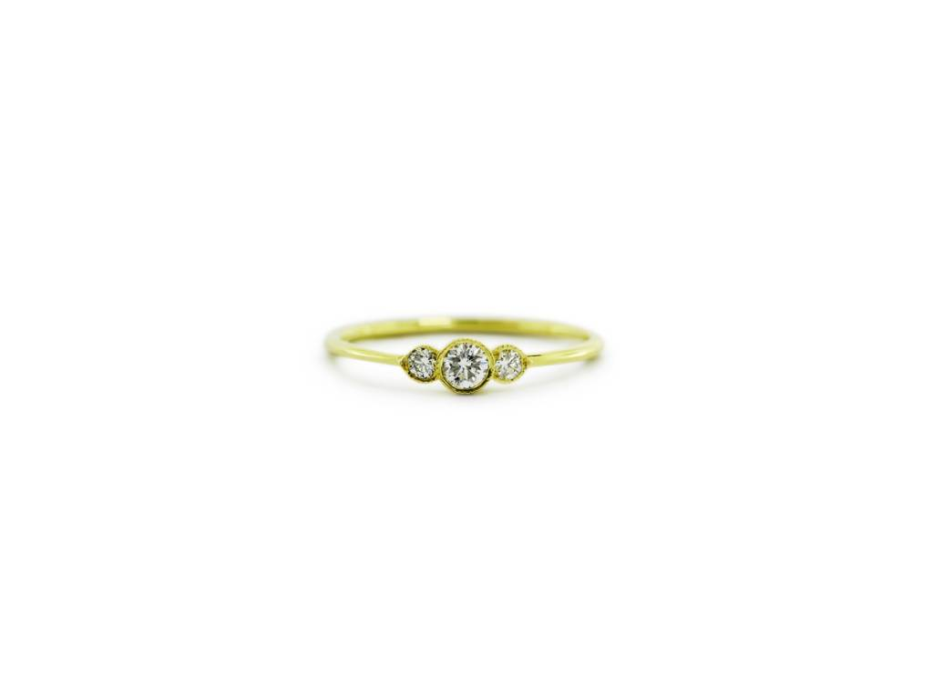 ILA Tiny 3 Stone Diamond Gold Ring