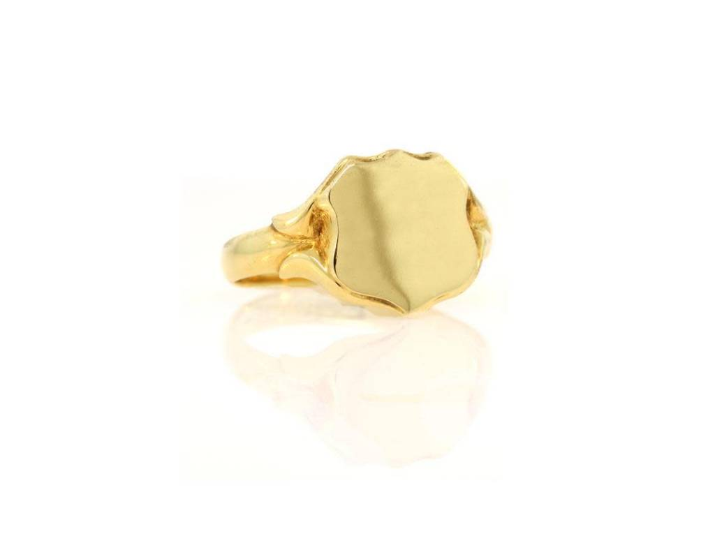 Trabert Goldsmiths Antique Signet Ring